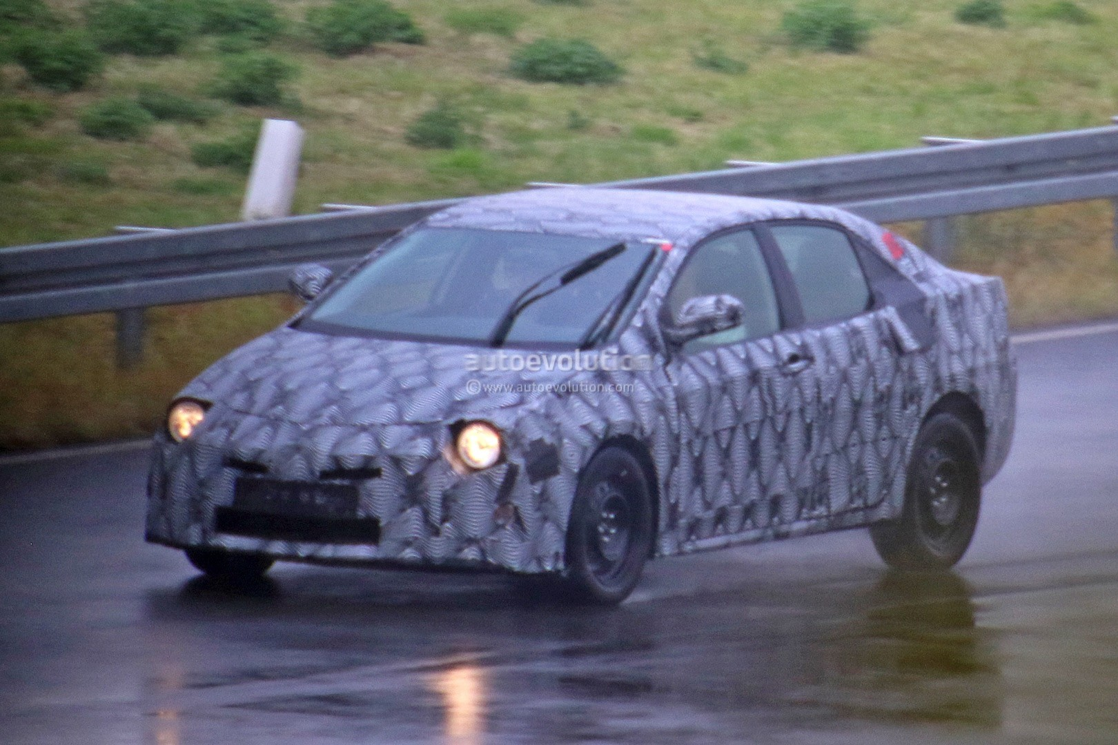 12th generation corolla front spy shot